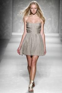 Image Source: The Fashion Spot